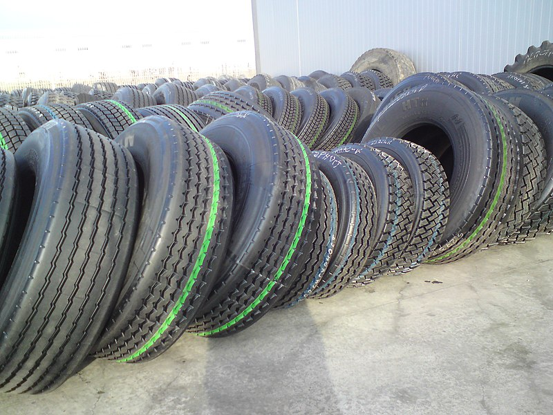How to choose a heavy truck tire?